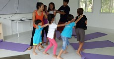 06 kids yoga