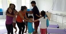 08 kids yoga