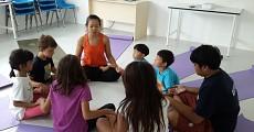 09 kids yoga